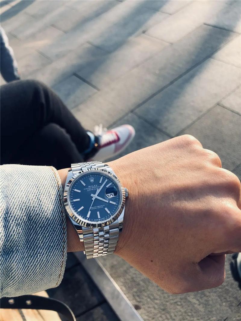 男人出门一定要戴手表?