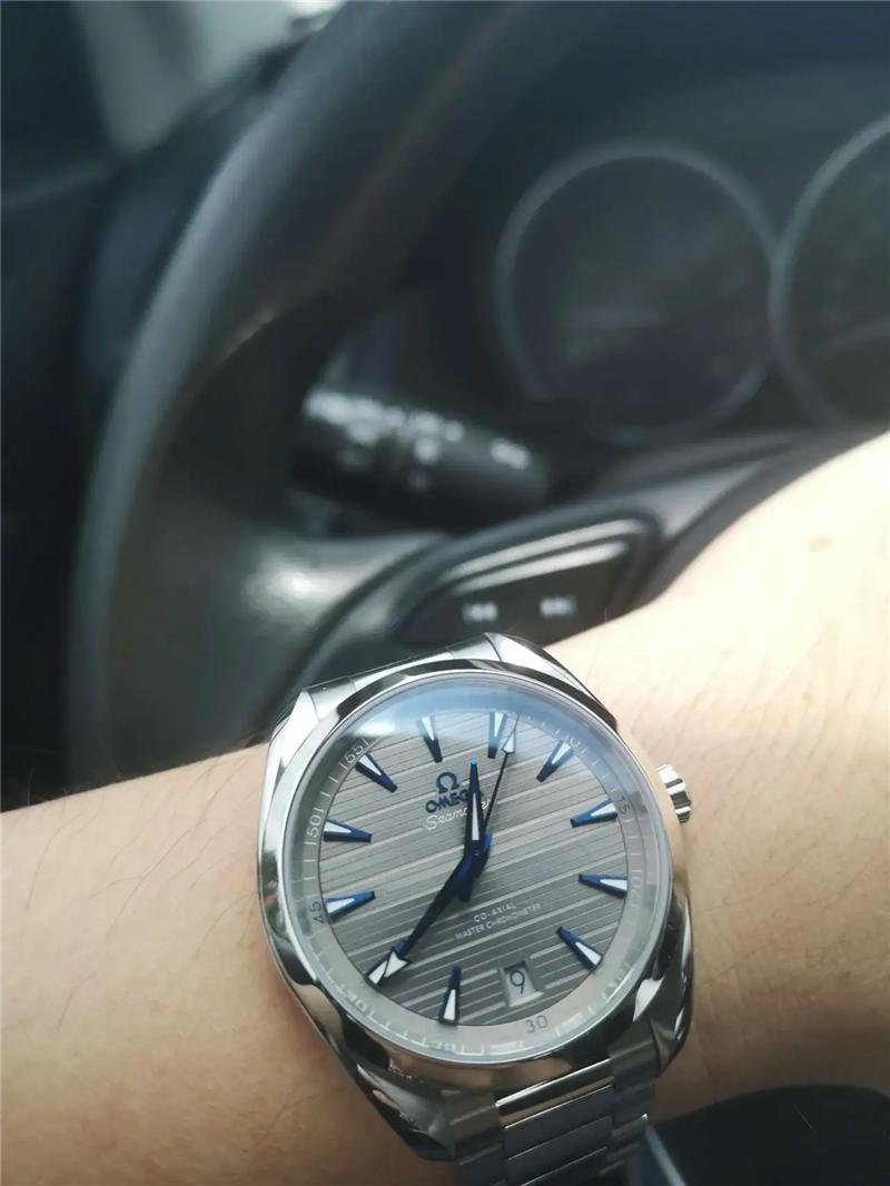 外卖大哥带的手表是欧米茄,真有钱