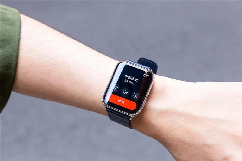 其实智能手表能够独立上网和接打电话