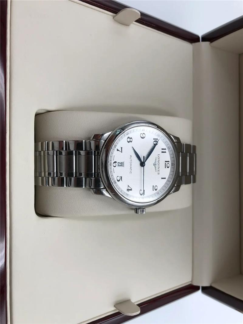 """浪琴是一个相当""""中庸""""的手表品牌"""