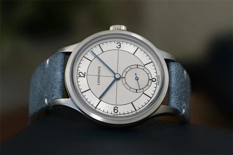 浪琴推出了新款经典复刻系列手表